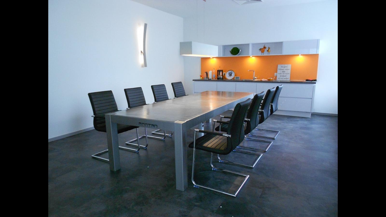 MONTAN Konferenztisch bei AREA