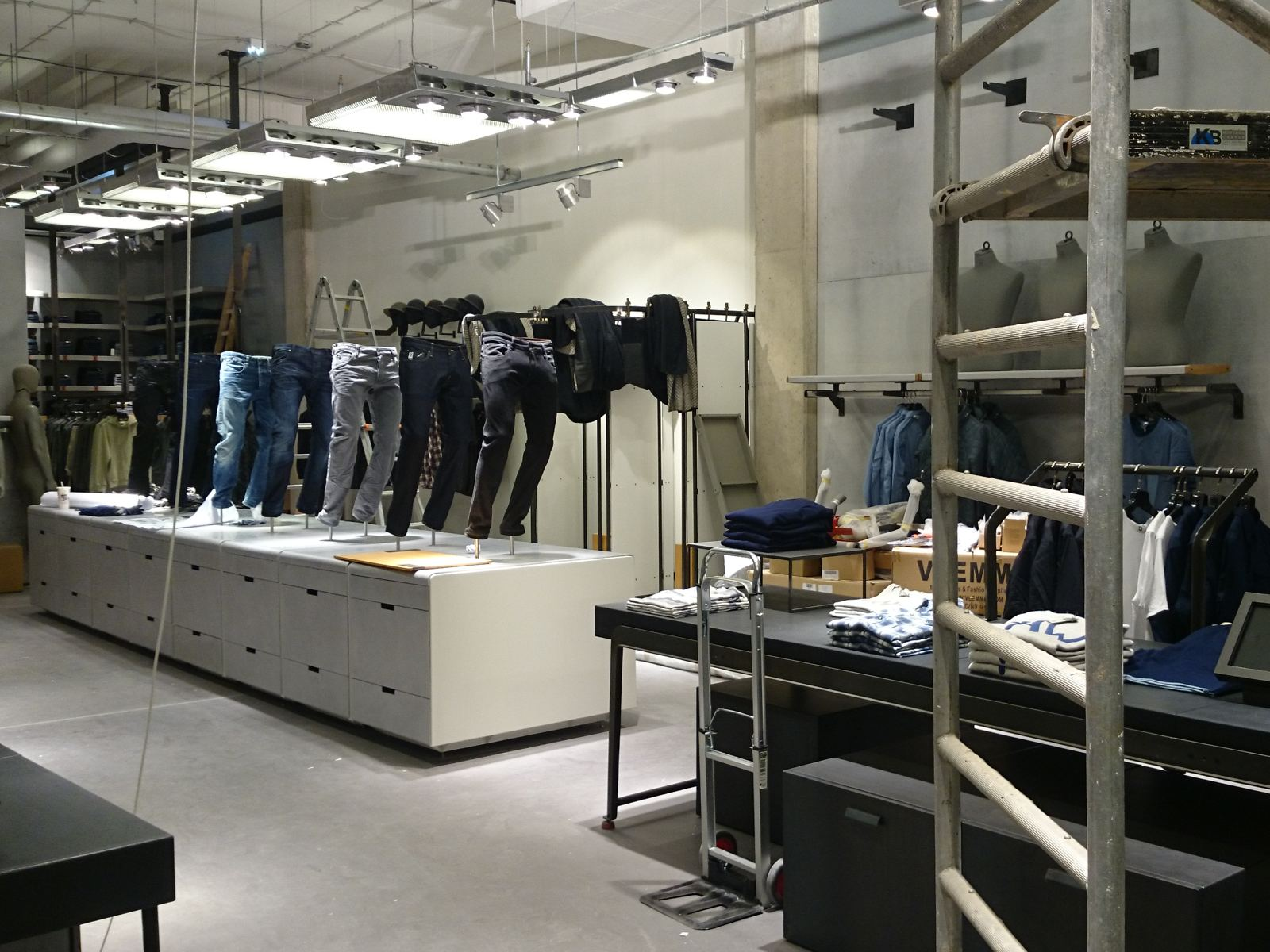 Store Design GStar1