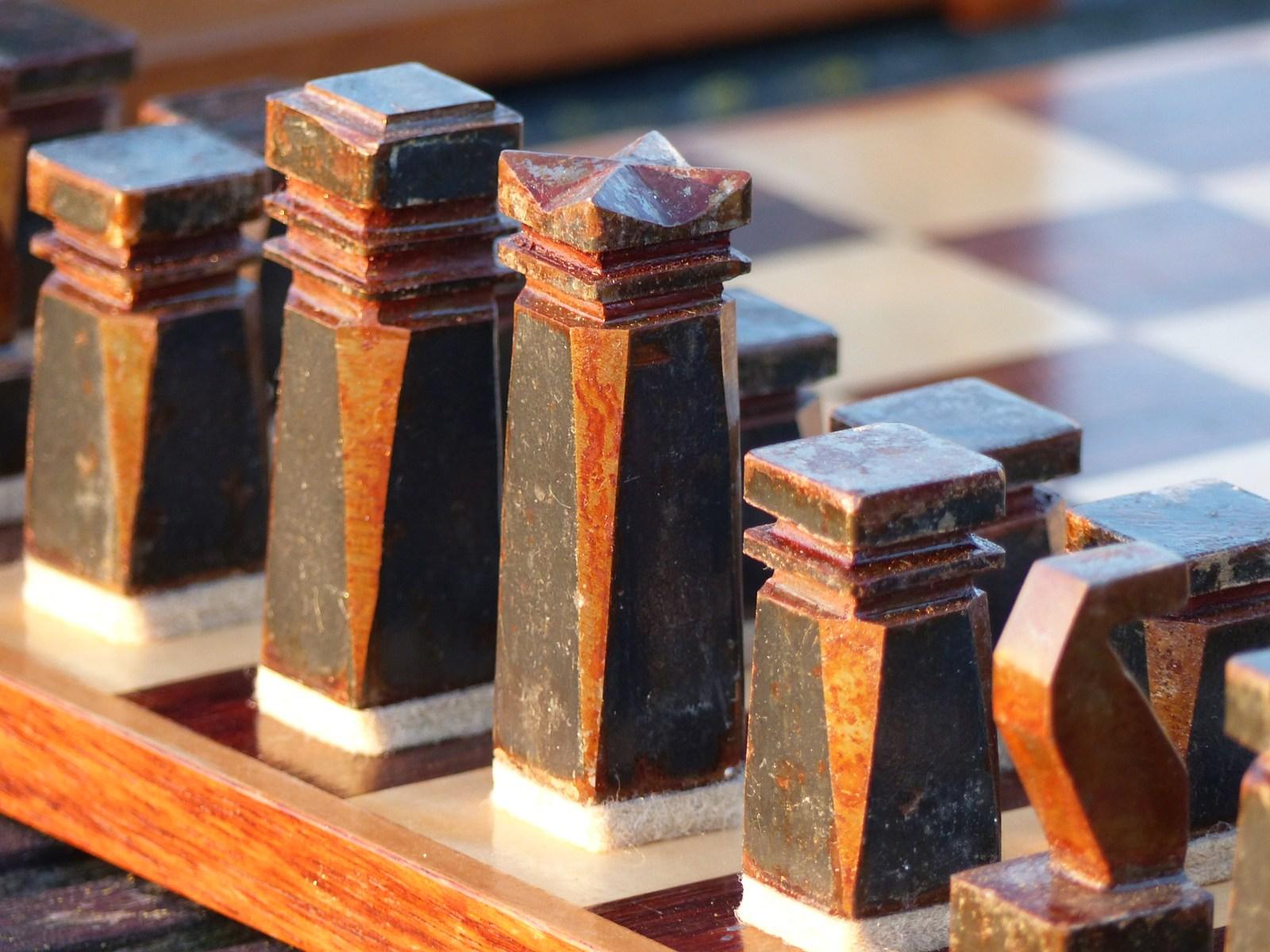 MONTAN Schach1